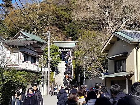 2019.1.1 荏柄天神社.jpg